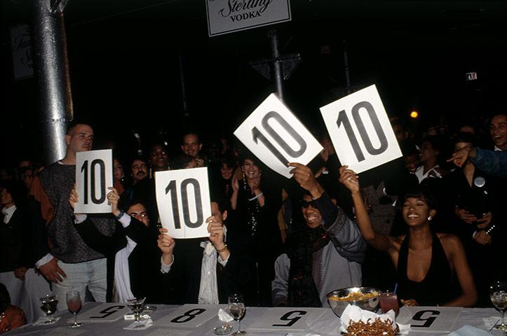 10s na vogue bále